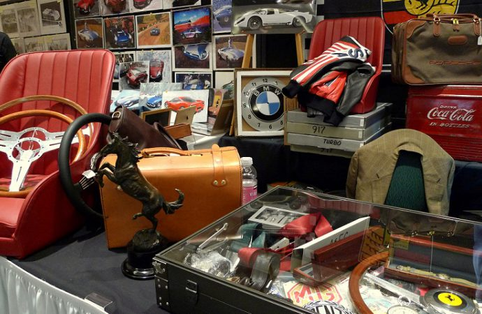 Arizona getting Monterey-style automobilia sale