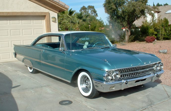 My Classic Car: Ed Fisher's 1961 Ford Starliner