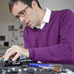 Fabian-Oefner-working_Lres