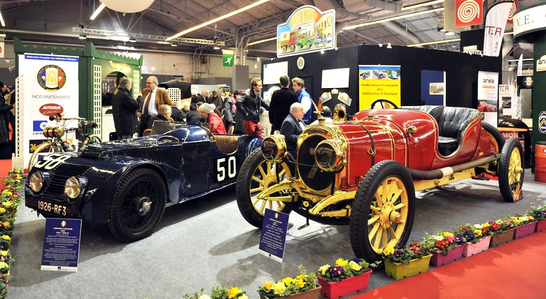 A couple of vintage racecars in an exhibitor display during a past Retromobile. (Photo: Retromobile)