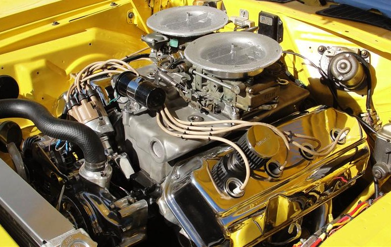 A custom 426 Hemi under the hood of a 1970 Plymouth Hemi 'Cuda. (Photo: Barrett-Jackson)