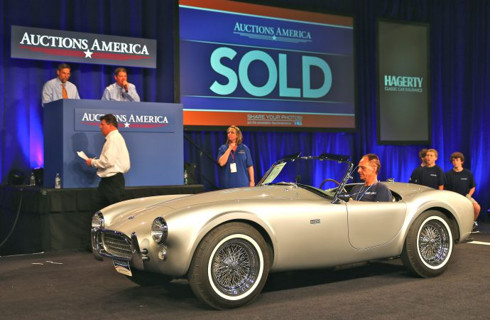 Back-to-original restoration boosts Cobra's price by nearly $300,000 at Auctions America sale