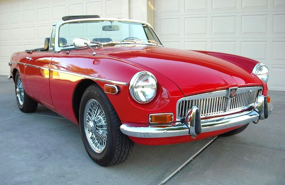 his 1972 MGB convertible was upgraded with 72-spoke polished wire wheels | Barrett-Jackson