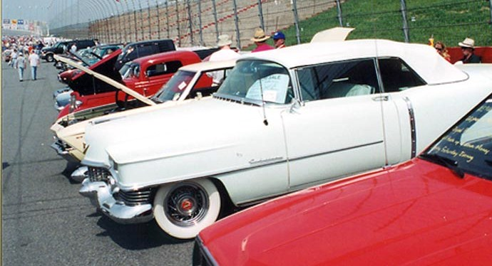 Vintage cars parked on the oval | Auto Fair