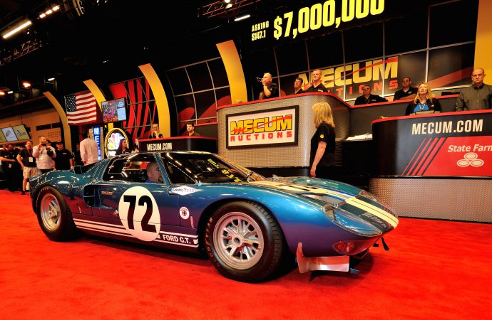 Behind-the-scenes auction action: 'Mecum Dealmakers' debuts on NBCSN