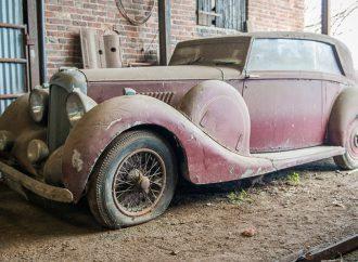 Restoration auction features British barn-found vehicles