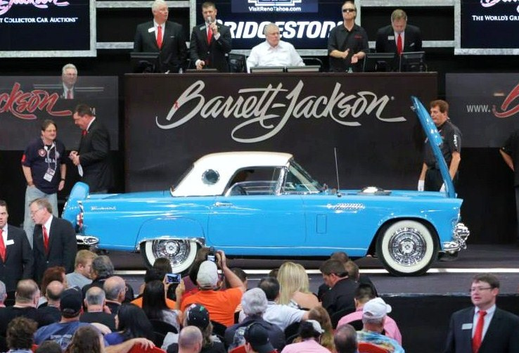 A beach-cruiser-blue 1956 Ford Thunderbird sold in West Palm Beach for $66,000 | Barrett-Jackson
