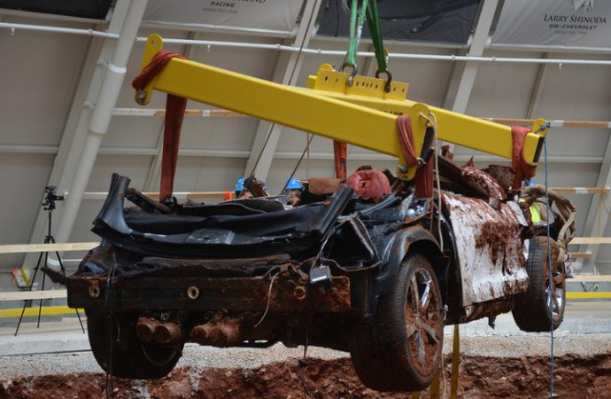 Only one Corvette remains in sinkhole