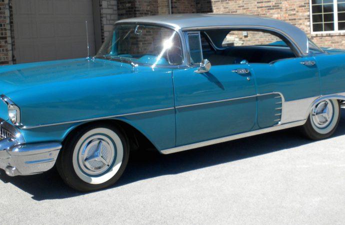 Real, pseudo Cadillacs top Leake auction at Dallas