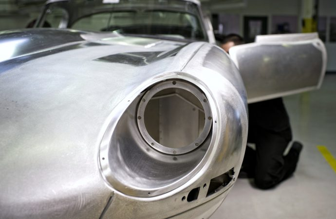 Jaguar to re-create 'missing 6' Lightweight E-types