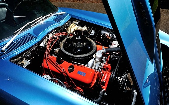 The Corvette's 427 can deliver 560 horsepower | Mecum Auctions