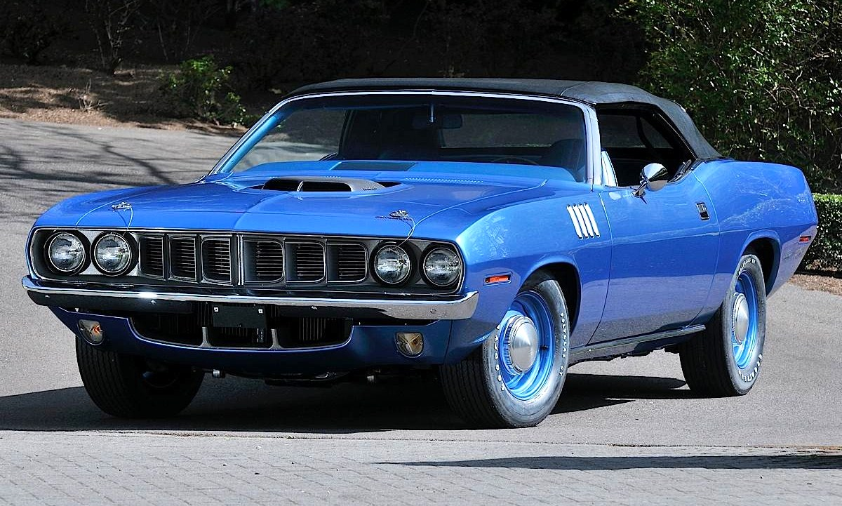 Breaking News: Hemi \'Cuda convertible scores record $3.5 million ...