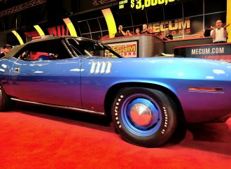 Mecum's first Seattle auction goes large with top-dog Hemi 'Cuda sale