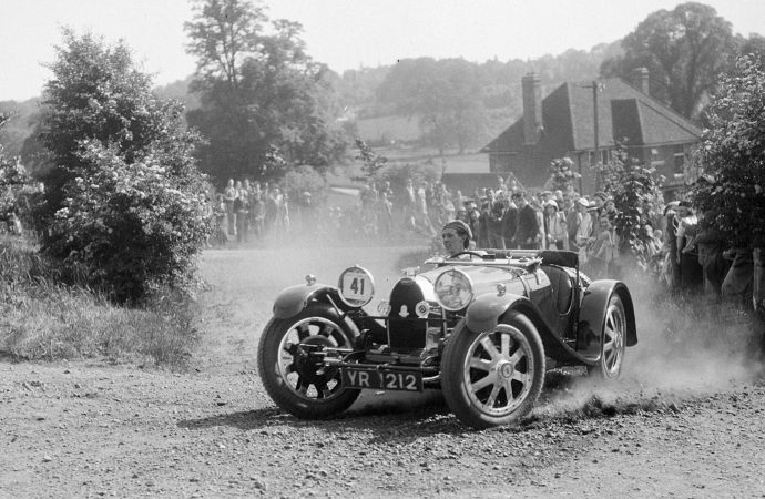 5,000 vintage British motoring photos go online