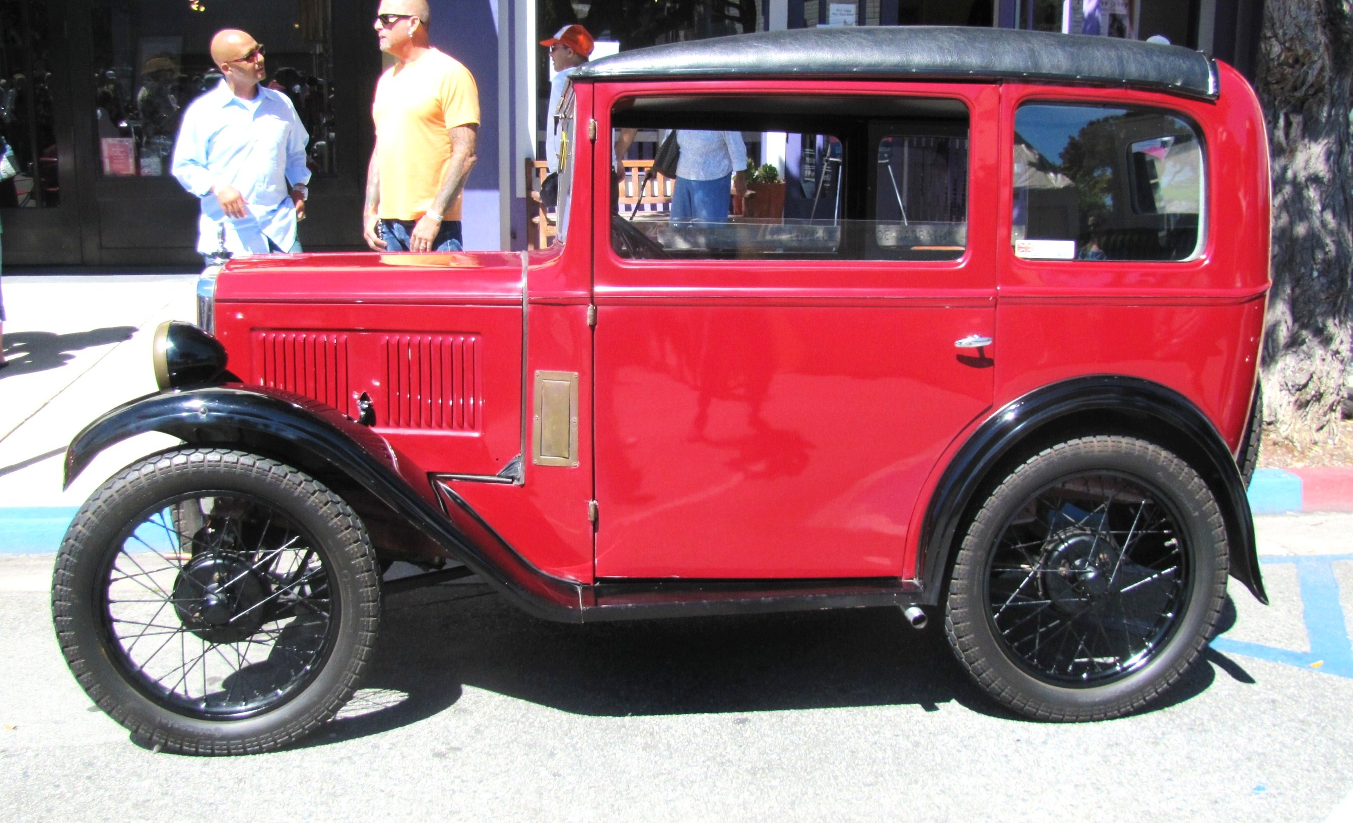 It\'s a small, fun world at Pacific Grove Little Car Show ...