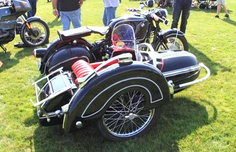 A 1969 BMW R695 Sidecar won best of show | LeMay