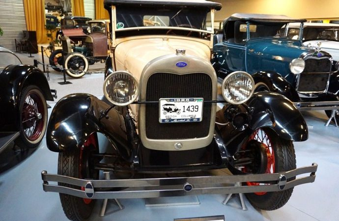 Dutch museum holding online auction of pre-war Fords