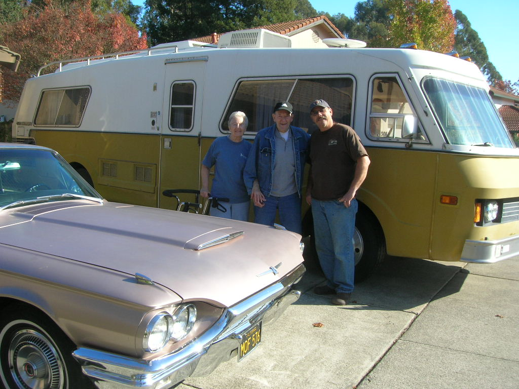Photo taken the day Ernie handed the keys to Rod | Rod Dahlgren archives