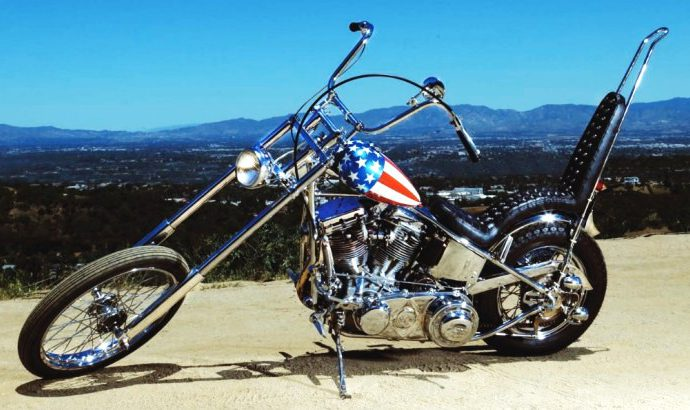 Disputed 'Easy Rider' chopper sells for $1.35 million