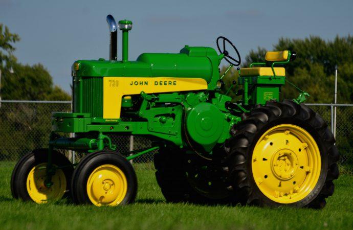 Farmer knows best? Mecum's vintage tractor sale tops $2 million