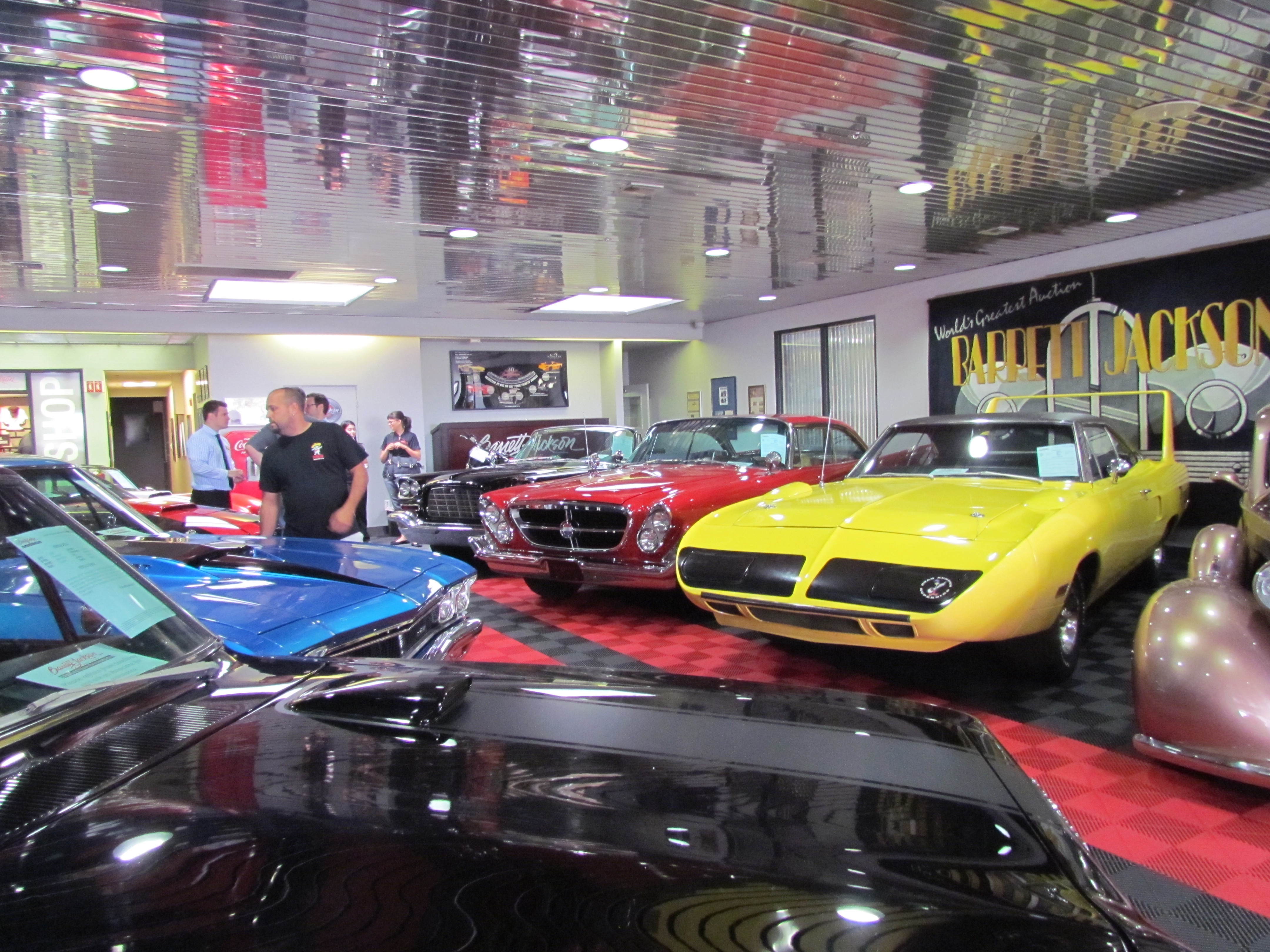 Barrett-Jackson opens year-around classic car showroom and service ...