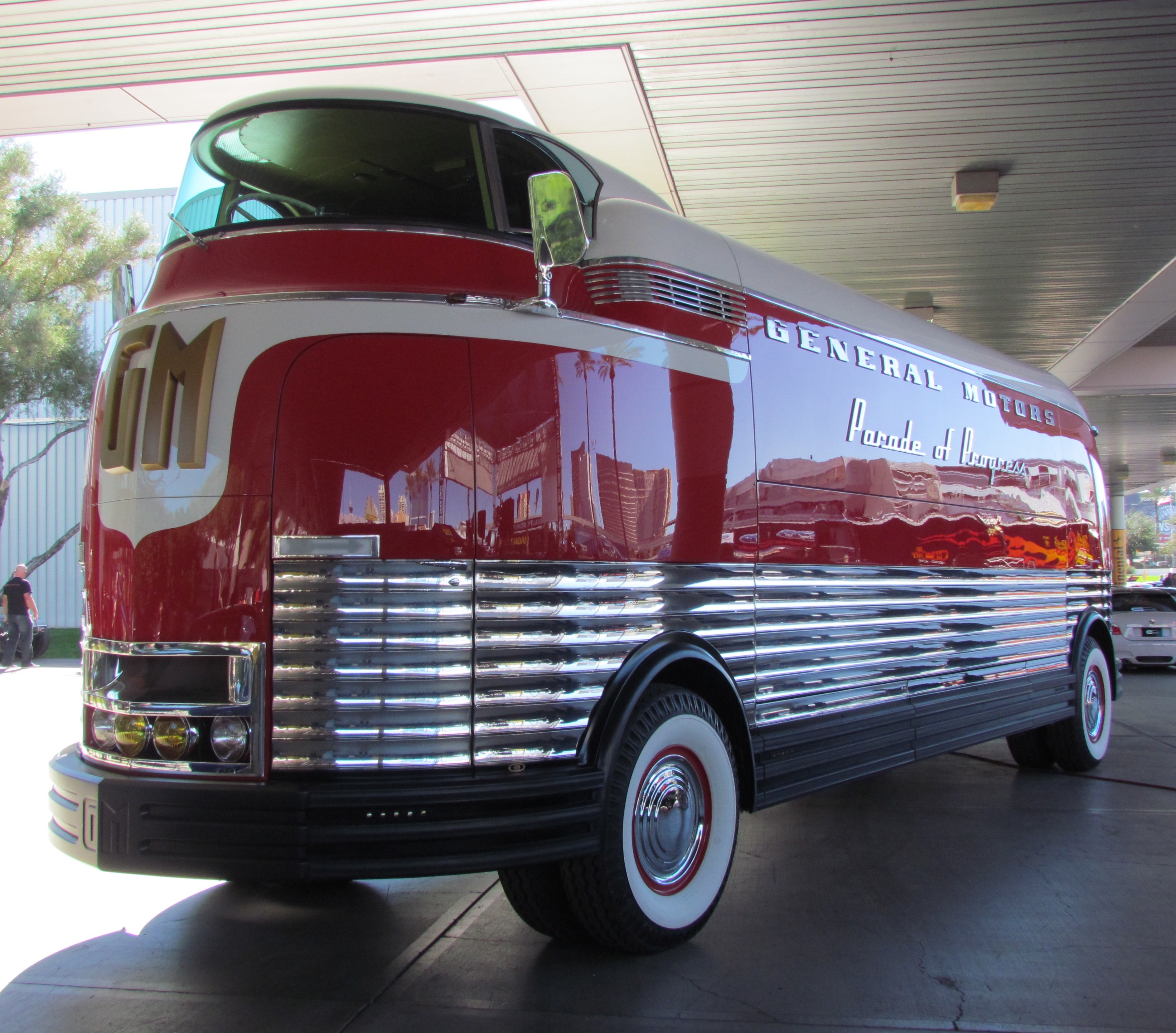 SEMA Seen: 1939 GM Parade of Progress Futurliner