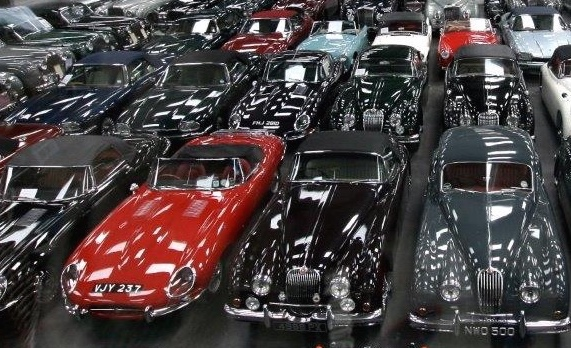 Jaguar Land Rover sends 16 historic vehicles to British museum