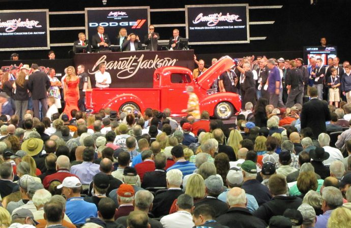 Auction of Pratte collection brings record Tuesday crowd to Barrett-Jackson in Scottsdale