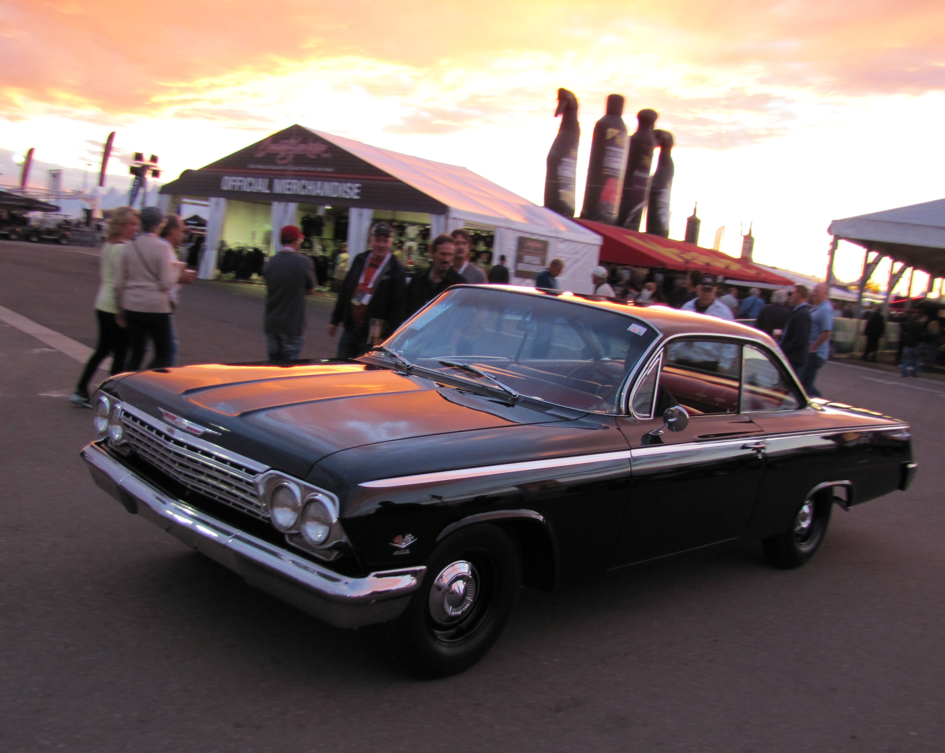 auction of pratte collection brings record tuesday crowd to barrett jackson in scottsdale. Black Bedroom Furniture Sets. Home Design Ideas