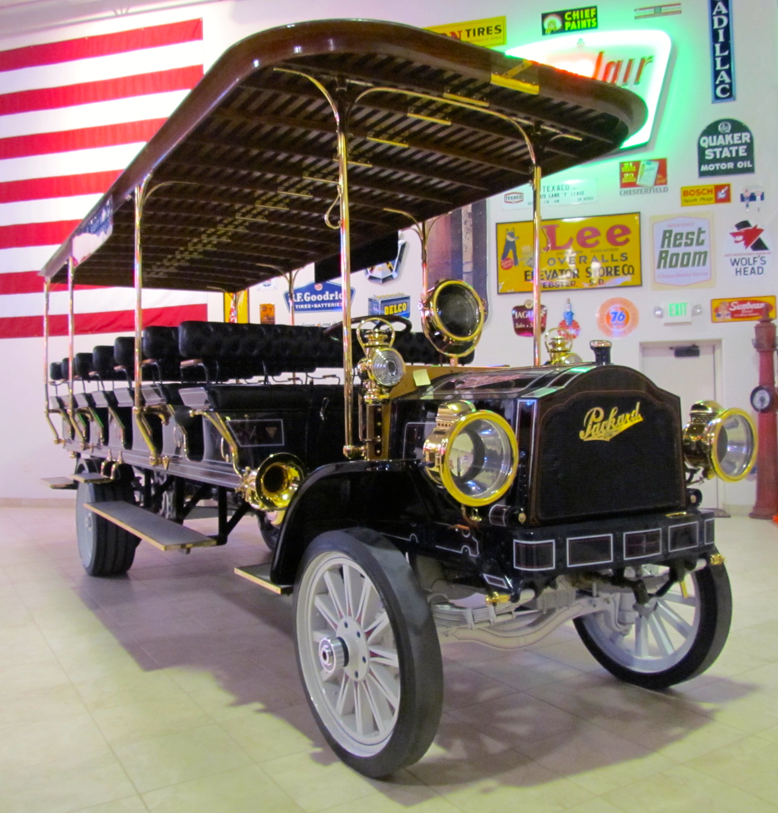 Trucks And Buses Are Big Deal At 2015 Arizona Auctions