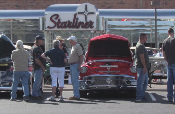 Arizona Automobile Hobbyist Council Car Show ClassicCarscom Journal - Sanderson ford car show