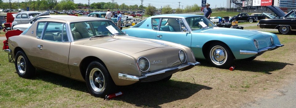 A fine=looking pair of Studebaker Avantis