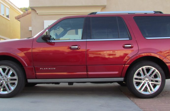 Driven: 2015 Ford Expedition Platinum 4×2
