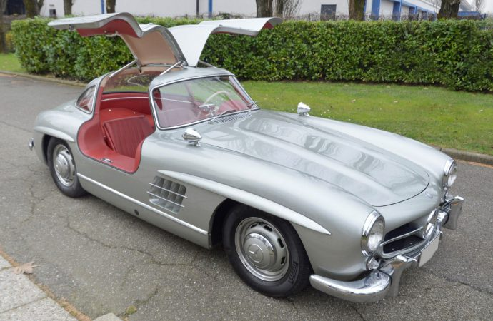 300SL 'gullwing' tops Coys at Techno-Classica sale