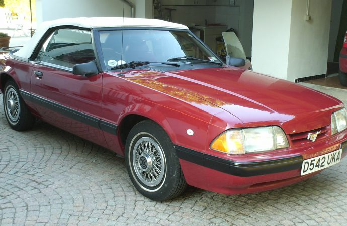 My Classic Car: Claudio's 1987 Mustang
