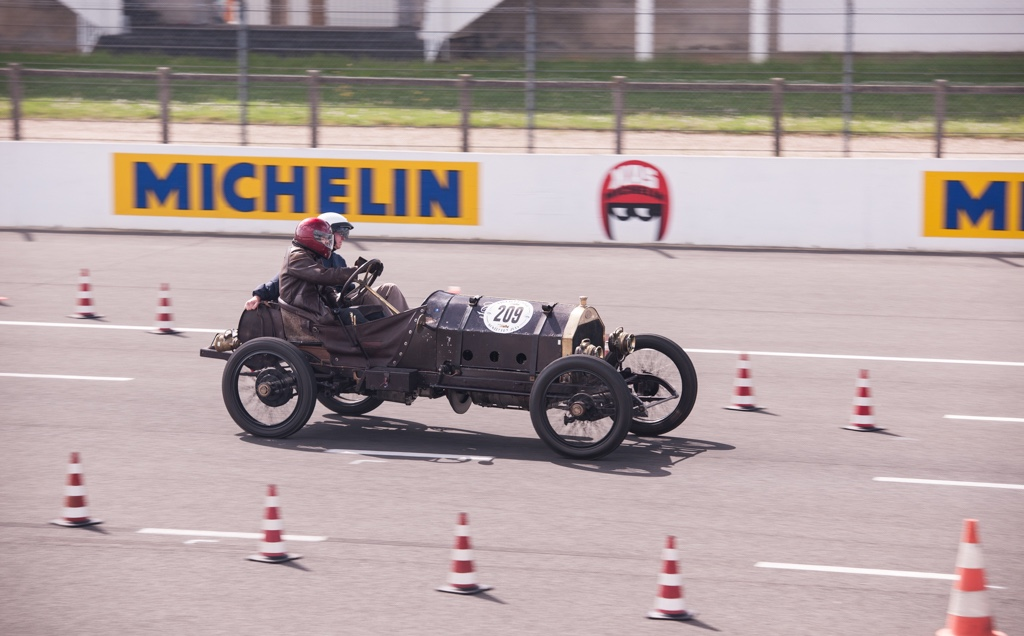 Eye Candy 3rd Vintage Racing Revival At Monthl 233 Ry France