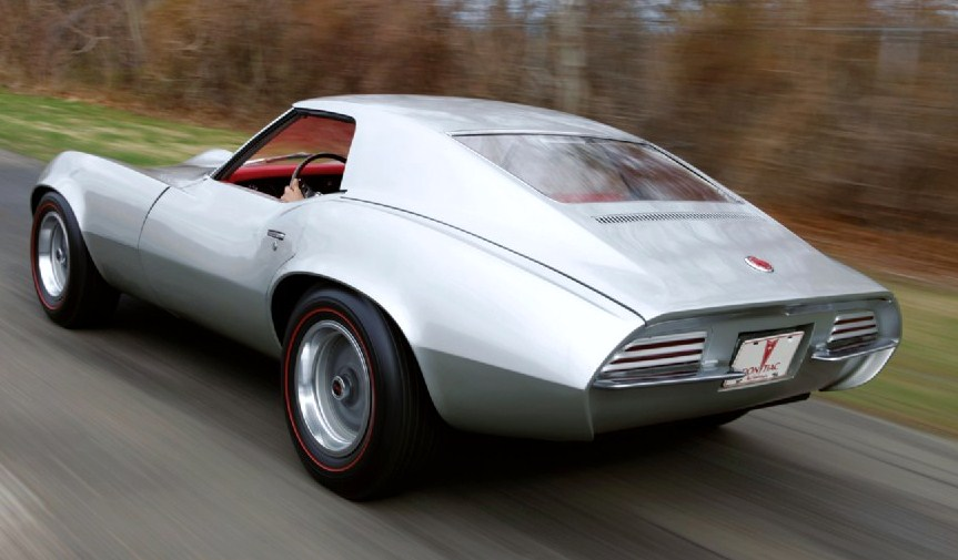 The taillight design was later seen on the Firebird