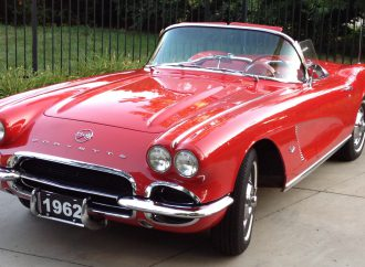 My Classic Car: Keith's 1977 and 1962 Chevrolet Corvettes