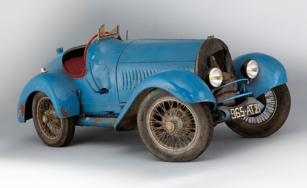 Barn-found 1925 Bugatti Type 13 Brescia brings $951,216 | Artcurial photos