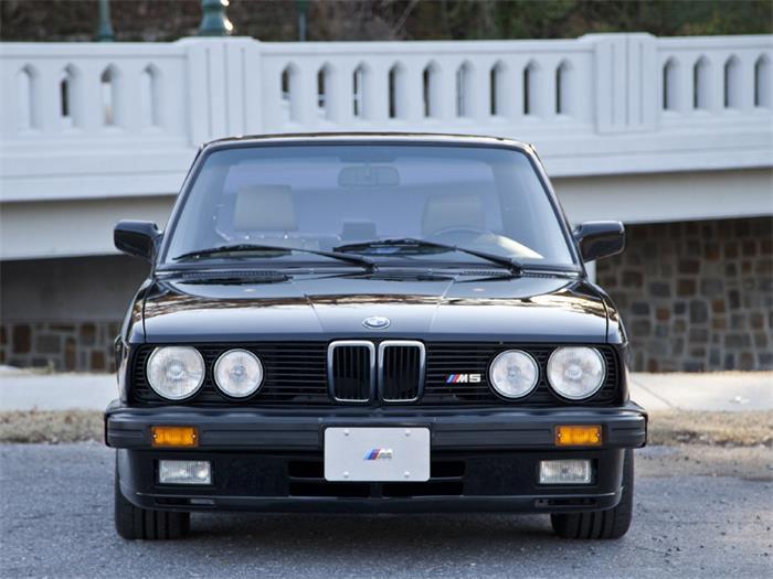 610807_19076065_1988_BMW_5+Series