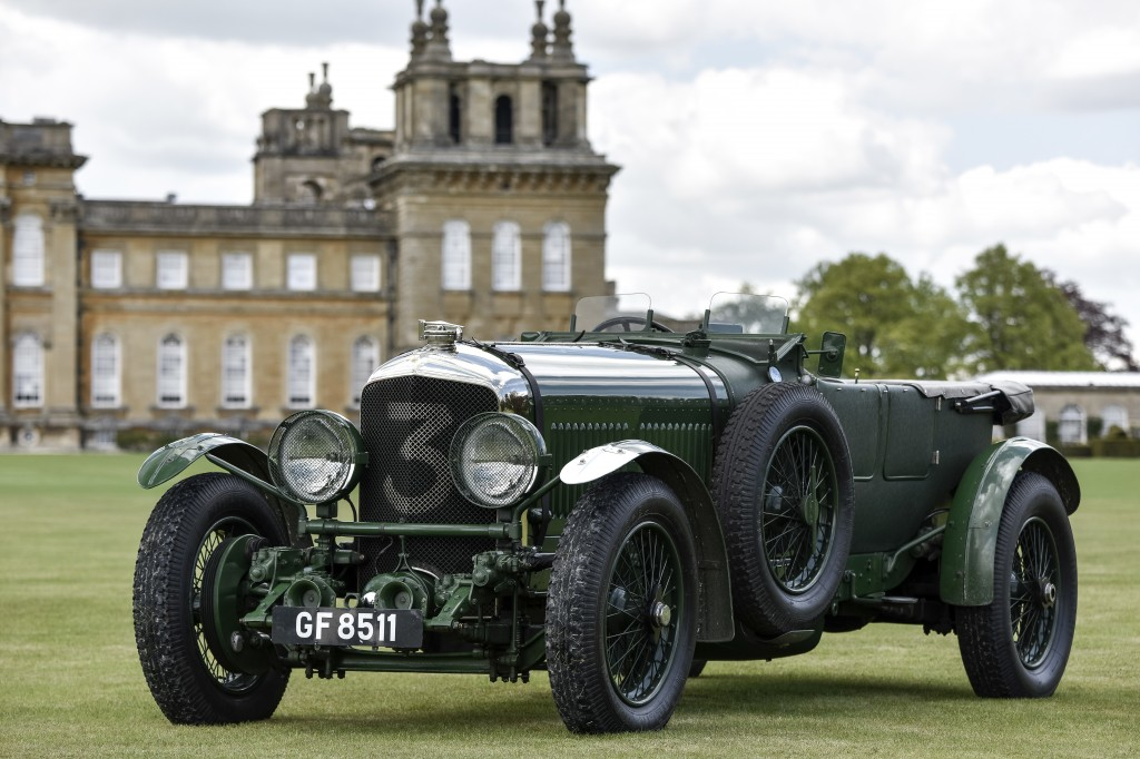 Old Number Three poses at Blenheim Palace | Chubb Insurance concours photo