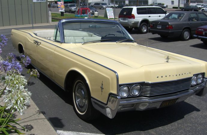 My Classic Car: Gregory's 1966 Lincoln Continental convertible