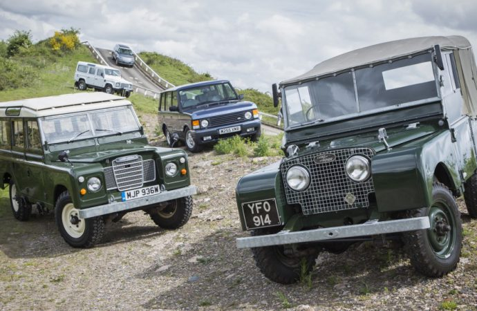 Land Rover offers vintage vehicle drives in England