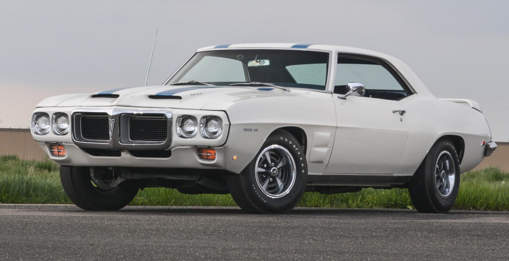 A 1969 Pontiac Trans Am Ram Air IV will be featured in Denver | Mecum photos