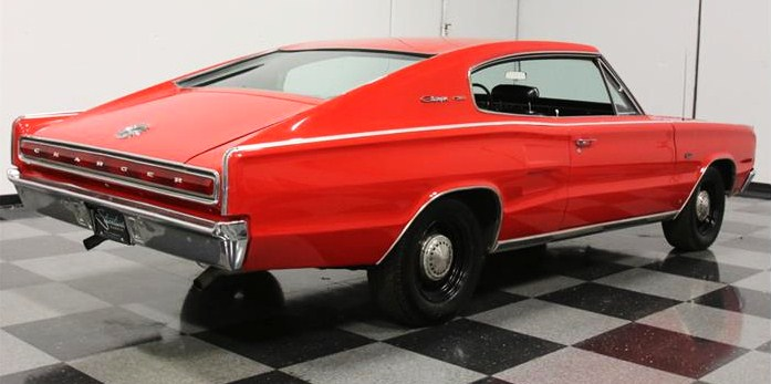 The sleek fastback roofline accentuates the large proportions of the '67 Charger