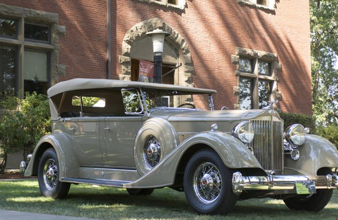 1934 Packard takes best of show at Forest Grove