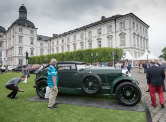 McCaw's 'Blue Train' Bentley dominates German concours