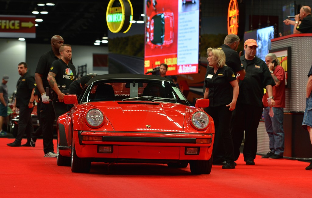 1989 Porsche 911 Speedster sells for $165,000 | Mecum Auctions photos
