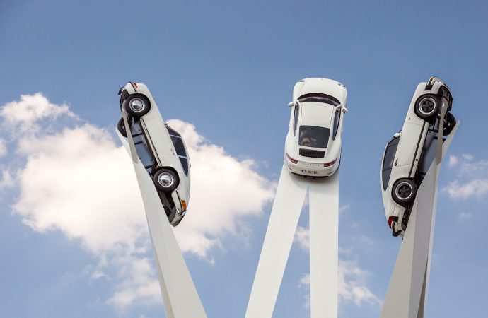 Artist known for Goodwood sculptures does one for Porscheplatz