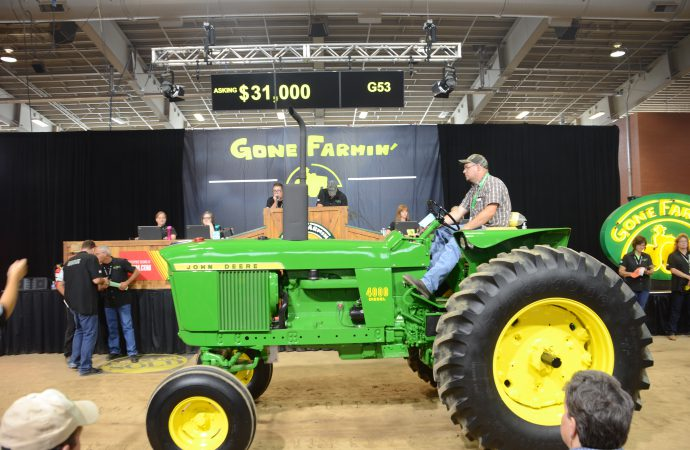 Mecum's Gone Farmin' sale tops half a million at Harrisburg